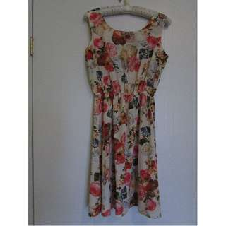 Brand New Womens Floral Summer Dress Small