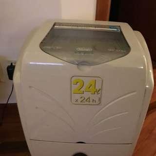 De'Longhi Tasciugo DE 220 Dehumidifier