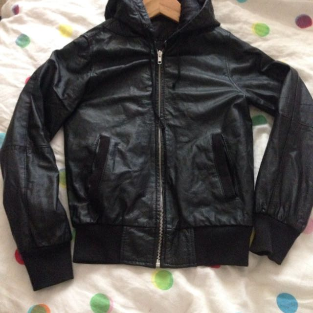 100% Leather Hooded Jacket Size 32