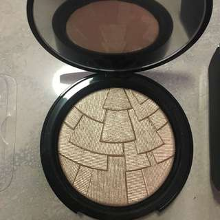 ABH highlighter So Hollywood
