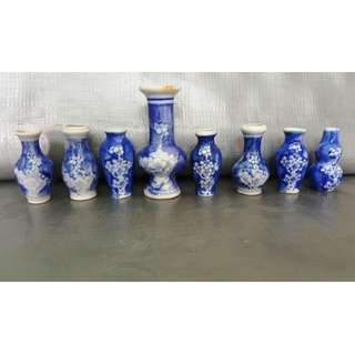 Buy 2 get 1 free, purchase any 2 items and get 1 free,   Vintage a group of hand-painted blue and white vases 7 pieces, 1 组手绘青花小花瓶7件