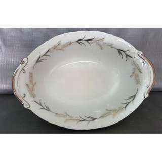 Buy 2 get 1 free, purchase any 2 items and get 1 free,  Vintage old oval shaped soup bowl, 旧椭圆形汤碗