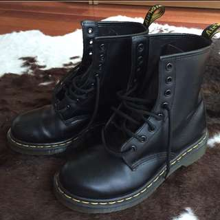 Black Doc Marten Boots sz 7