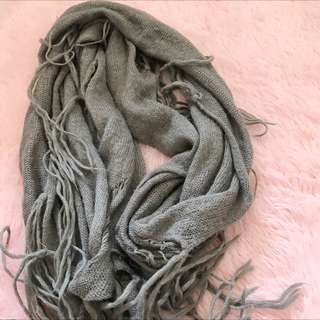 二手 穿搭必備 薄 流蘇 圍巾 波希米亞風 淺灰色