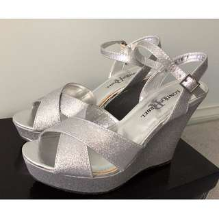 BNIB LONDON REBEL Silver Glitter Wedges - Size 7