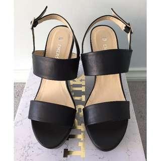 BNIB Emerson Black Sandal Strappy Wedges - Size 7