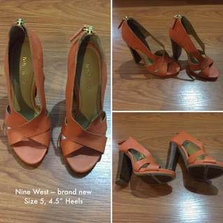 Nine West Sandlas Size 5