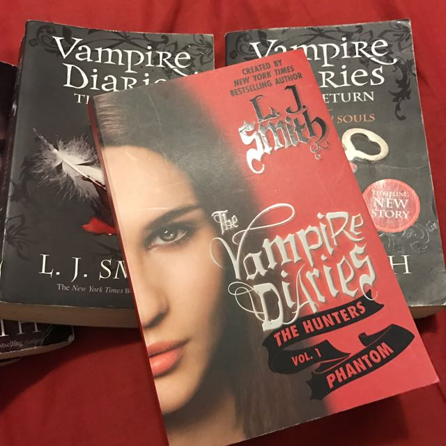 7 For $30 Vampire Diaries Books