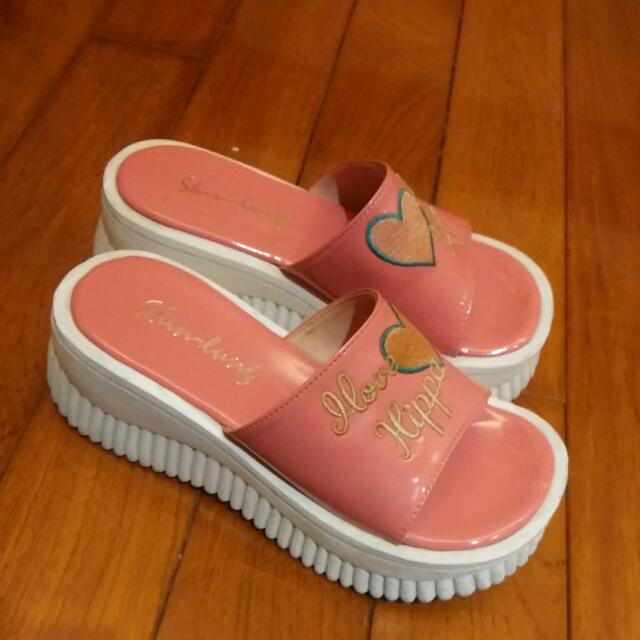 日本厚底刺繡拖鞋