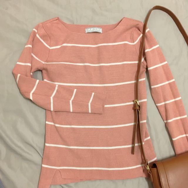 粉色針織線條上衣