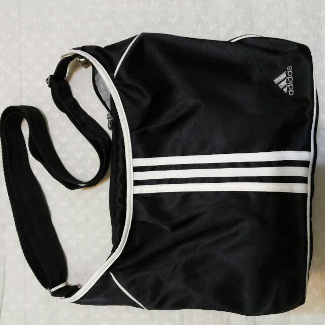 adidas包  側背包