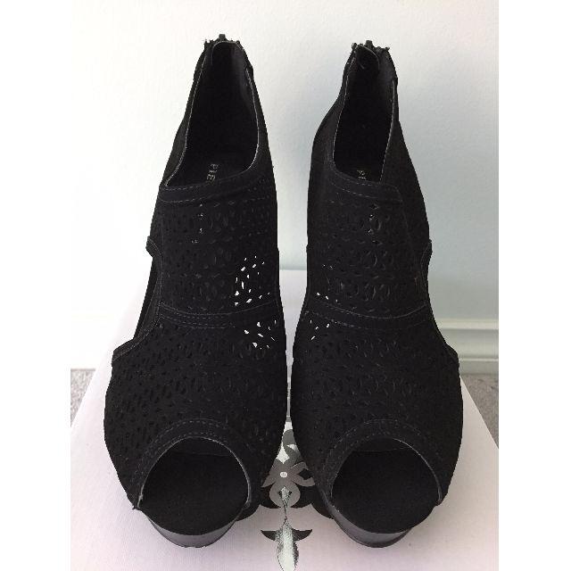 BNIB Laser cut Black Heels - Size 8