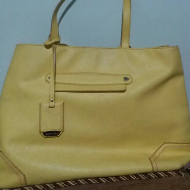 CHARLES N KEITH BAG ORI