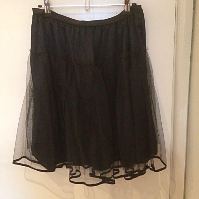 CUE Petticoat Size 12