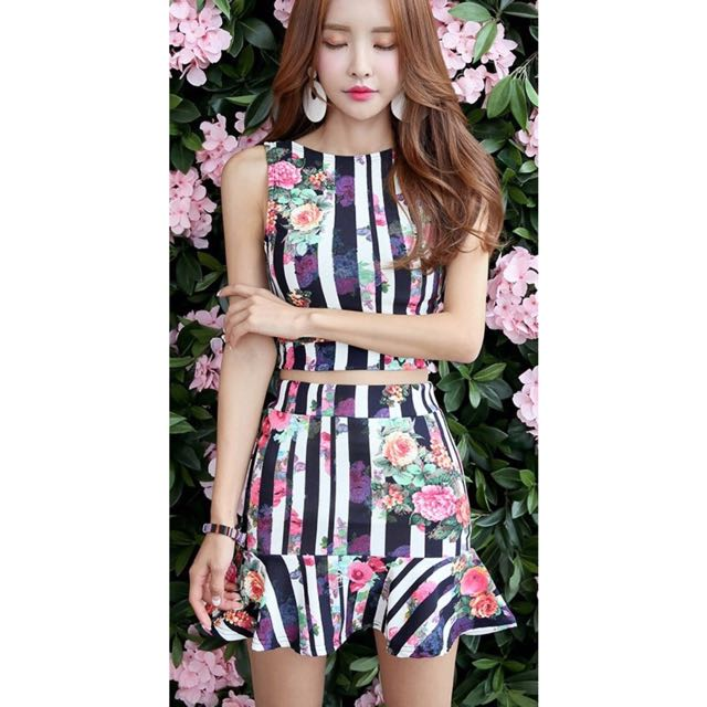 51335381f1 DABAGIRL Korea Stripes & Floral Top & Skirt Set, Women's Fashion ...