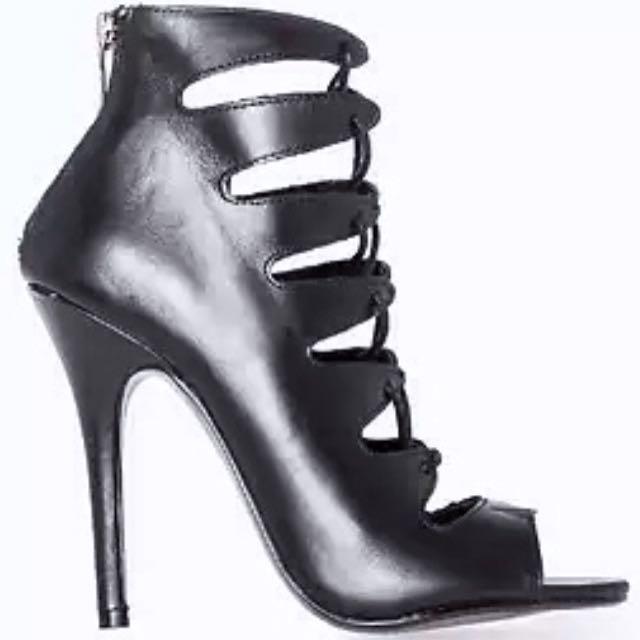 Designer Chinese Laundry Black Leather Heels Size 6.5