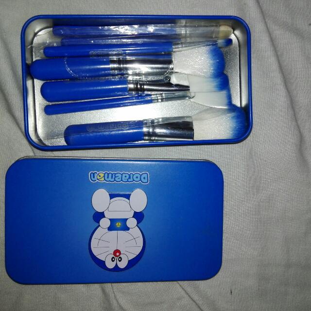 Doraemon brushes