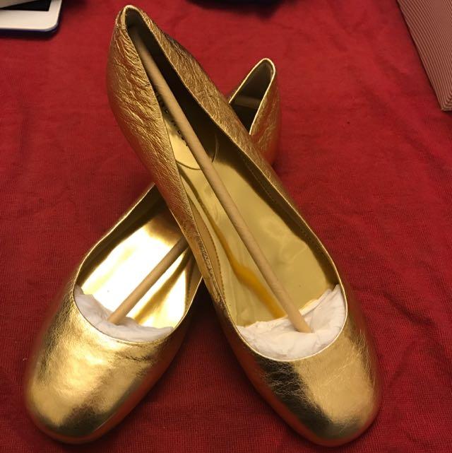 NINE WEST金色平底娃娃鞋