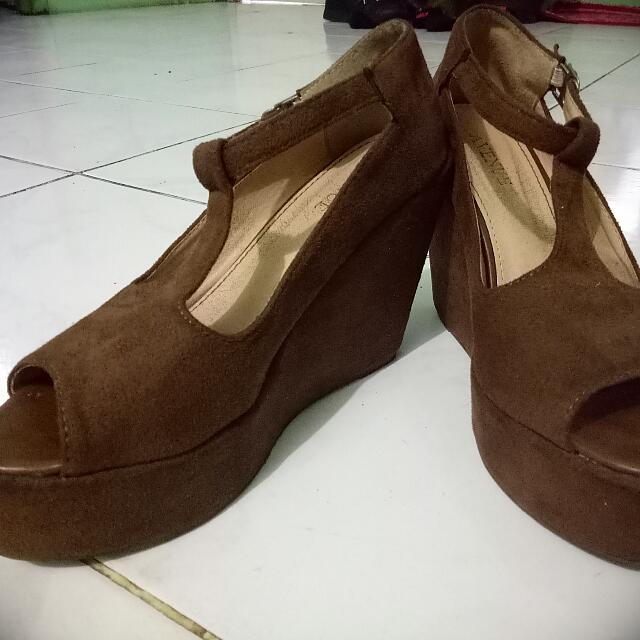Wedges avenue