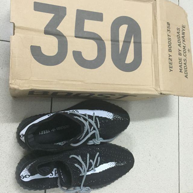 Yeezy 350 Boost V2 Black
