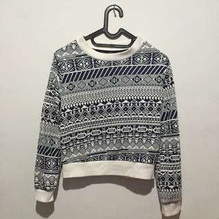 Sweater Crop