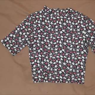 New Look Crop Tee Shirt (flower)