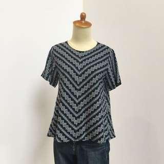 Flowers motif blouse & Levi's jeans