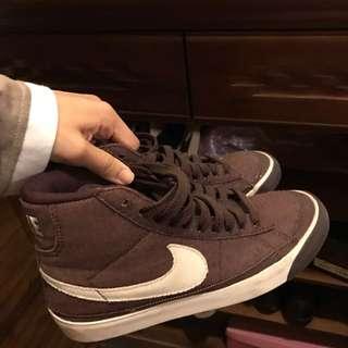 Nike咖啡色高筒運動鞋