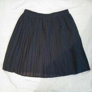 NEW Uniqlo Pleat Skirt