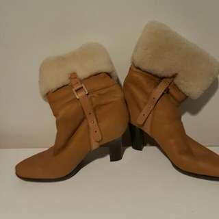 New Hugo Boss Lamb Wool Boots Sz 38