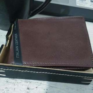 BRAND New PERRY ELLIS Brown leather Wallet