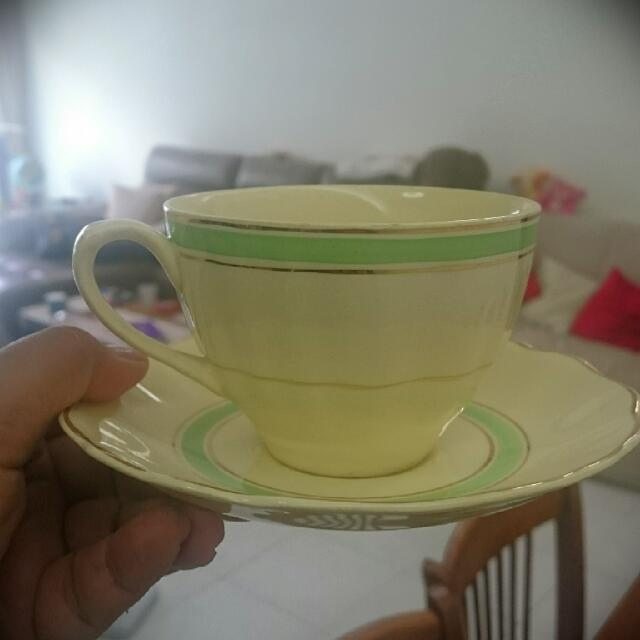 6 Pieces Of J & G Meakin England Teacups With Saucer