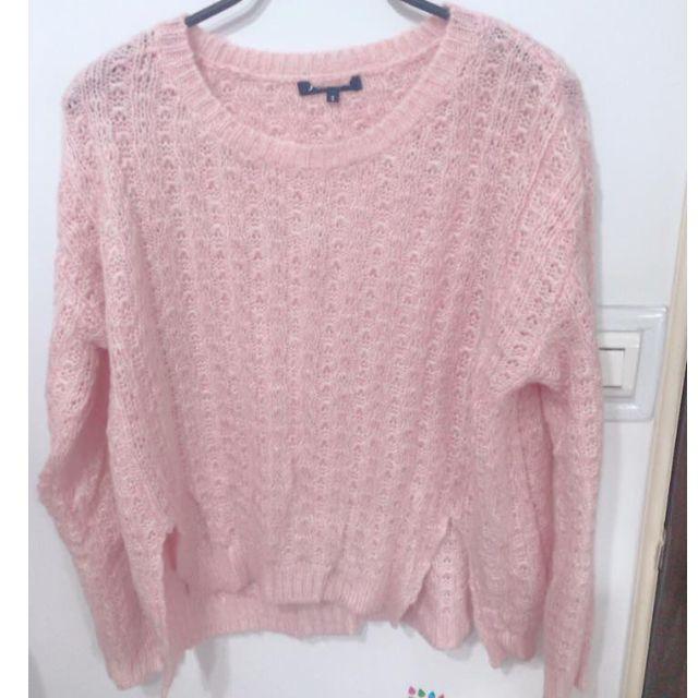 粉色針織衣