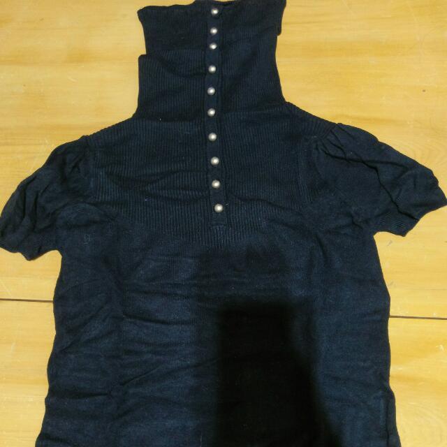 短袖外搭黑色高領毛衣