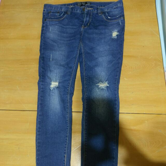 破洞貼身低腰牛仔褲