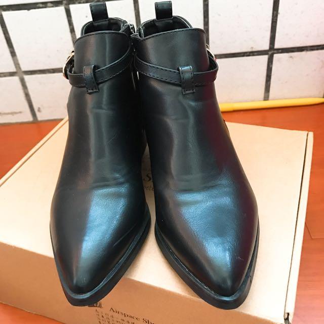 Air Space 靴子
