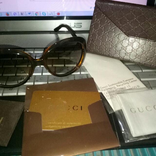 Authentic GUCCI Women's GG3534S Oval (negotiable)