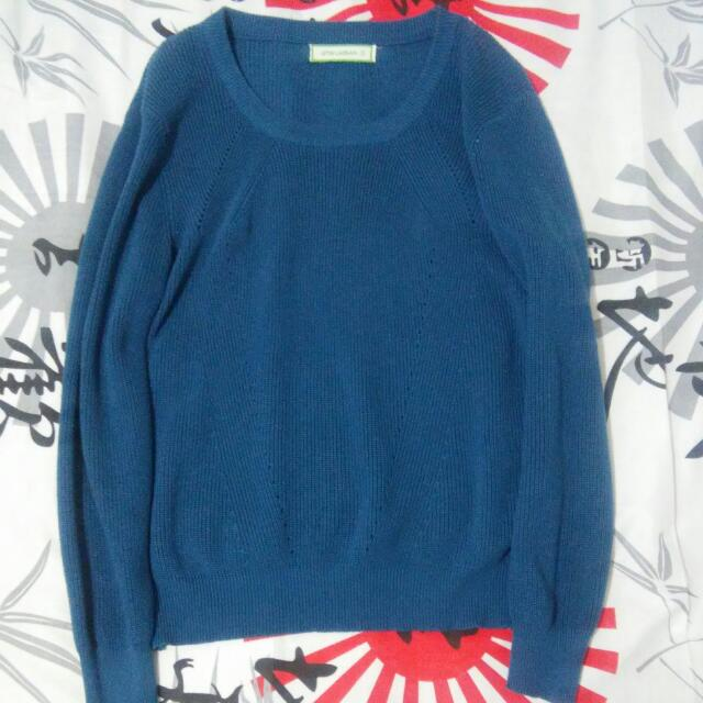 Blue Green Pull Over
