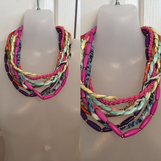 BRIGHT FABRIC & BEADED STATEMENT NECKLACE