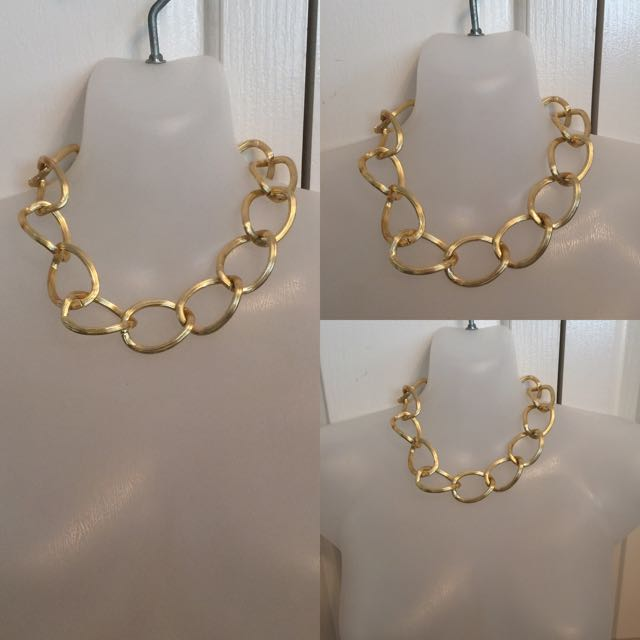 CHUNKY GOLD LARGE LINK NECKLACE