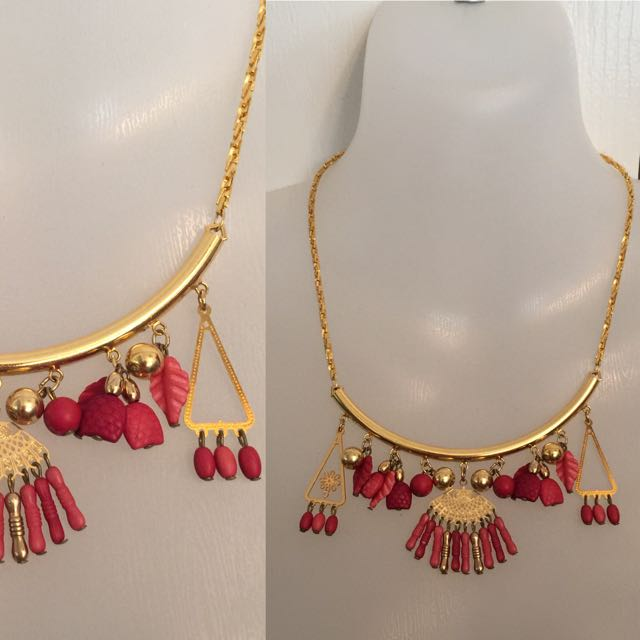 ETHNIC GOLD & RED BEADED TASSEL NECKLACE