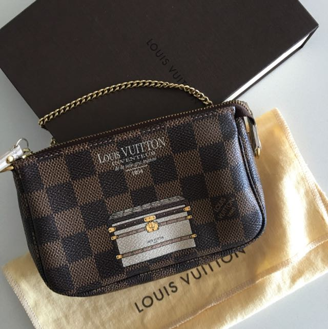 Louis Vuitton Authentic Pochette