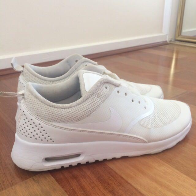 Nike thea air max white
