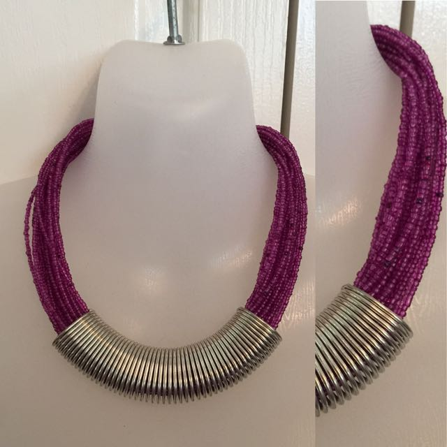 PURPLE BEADED CHUNKY STATEMENT NECKLACE