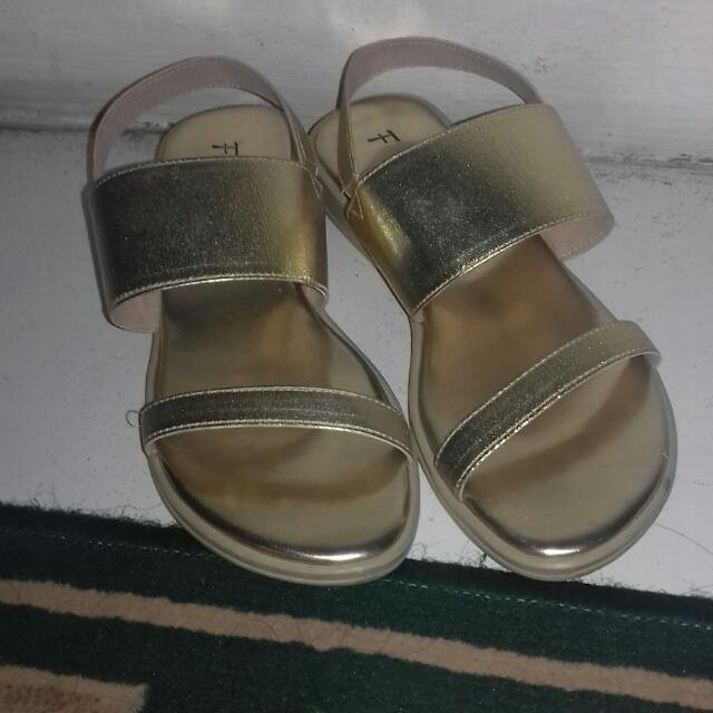 Sendal Sepatu FLD
