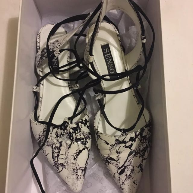 Senso Lace Up Flats Size 38 7