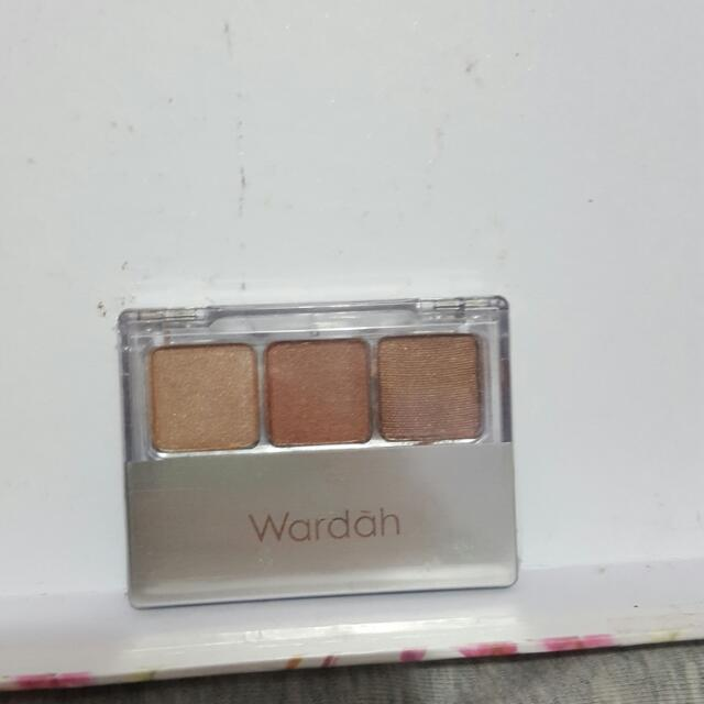 Wardah Nude Color Eyeshadow