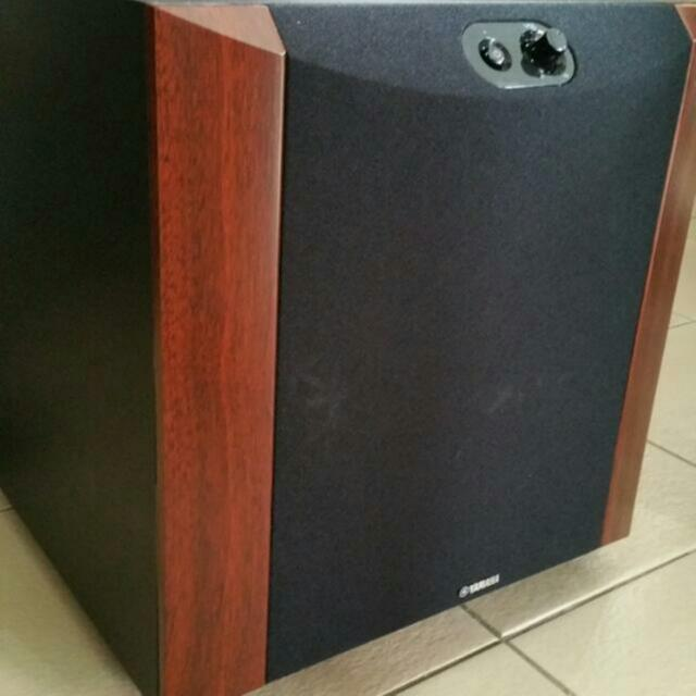 yamaha ns sw300 subwoofer electronics audio on carousell. Black Bedroom Furniture Sets. Home Design Ideas