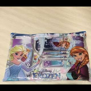 Disney Frozen stationery folder set