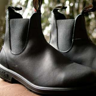 Blundstone Size 13 (never worn)